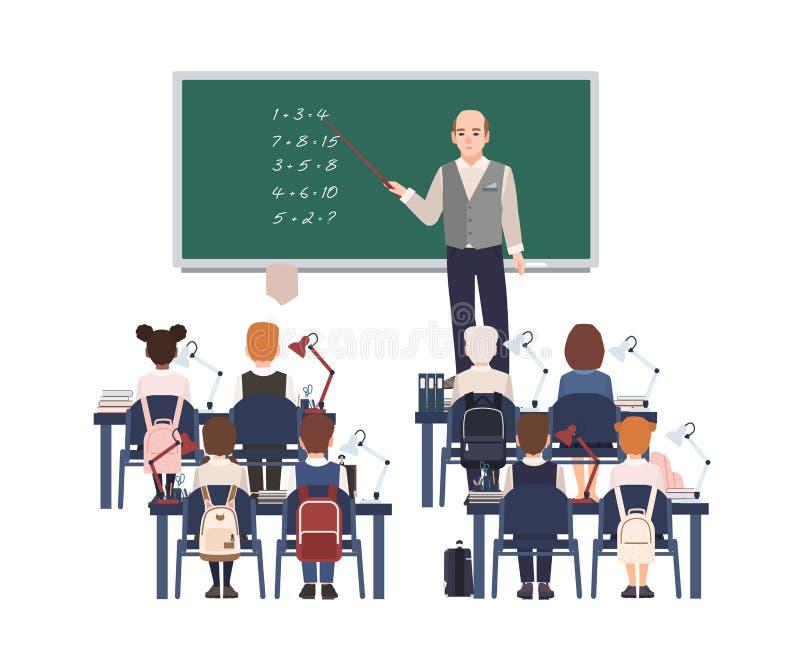 Męski nauczyciel matematyki wyjaśnia dodatek szkoła podstawowa ucznie lub dzieciaki Życzliwy mężczyzna nauczania mathematics lub ilustracji
