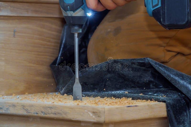Męski onstruction pracownika budowniczy z gordless świderów schodkami obrazy royalty free