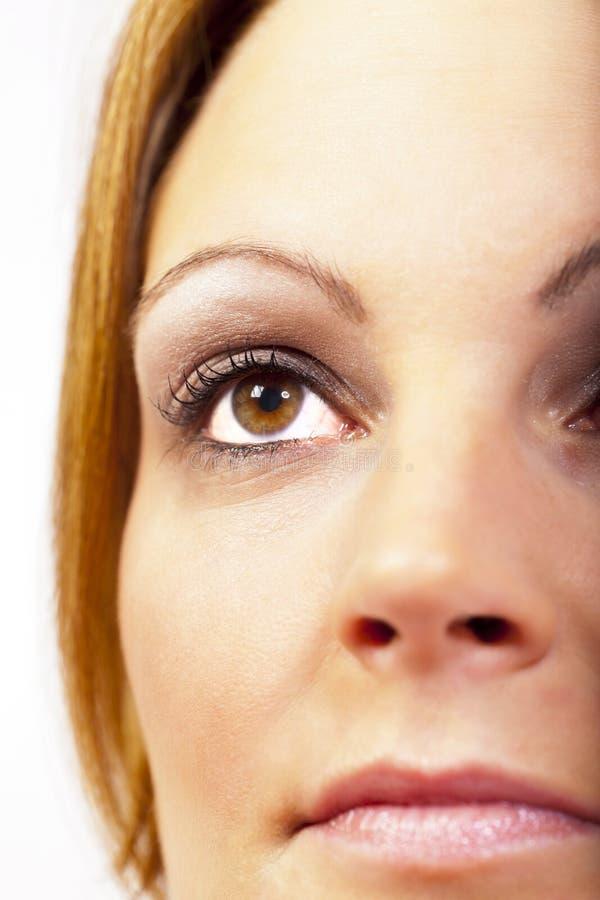 Młoda ładna kobieta po makijażu w studiu zdjęcie stock
