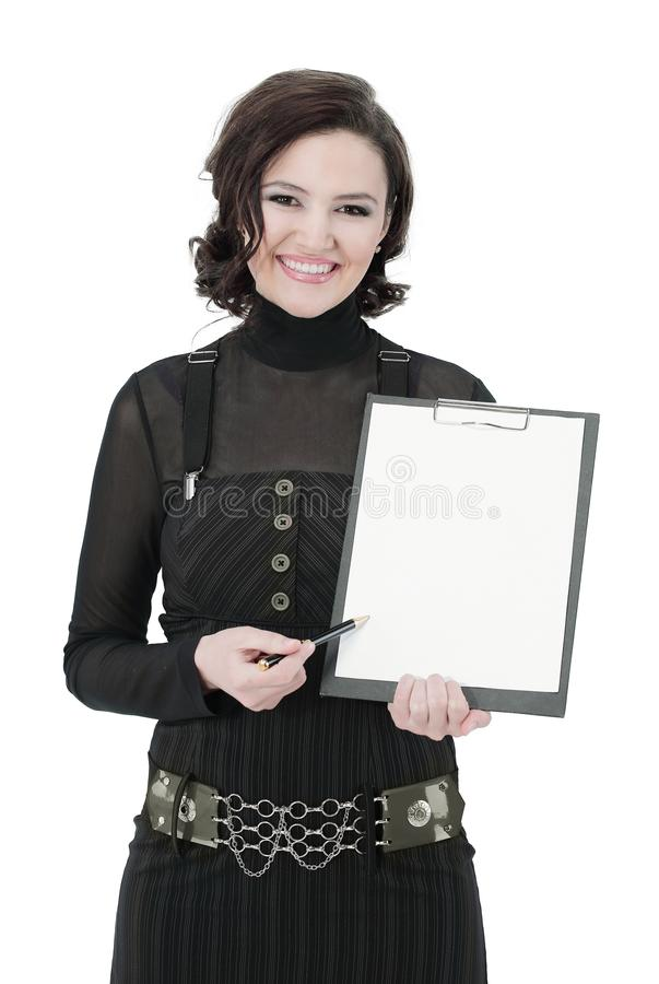 Młoda biznesowa kobieta trzyma pustego prześcieradło Odizolowywający na bielu obrazy royalty free