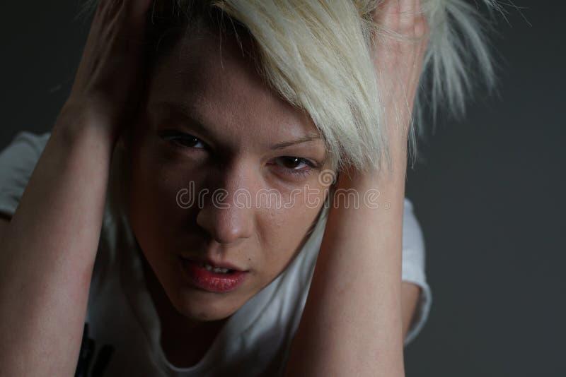 Młoda blondynki dziewczyna zdjęcia royalty free