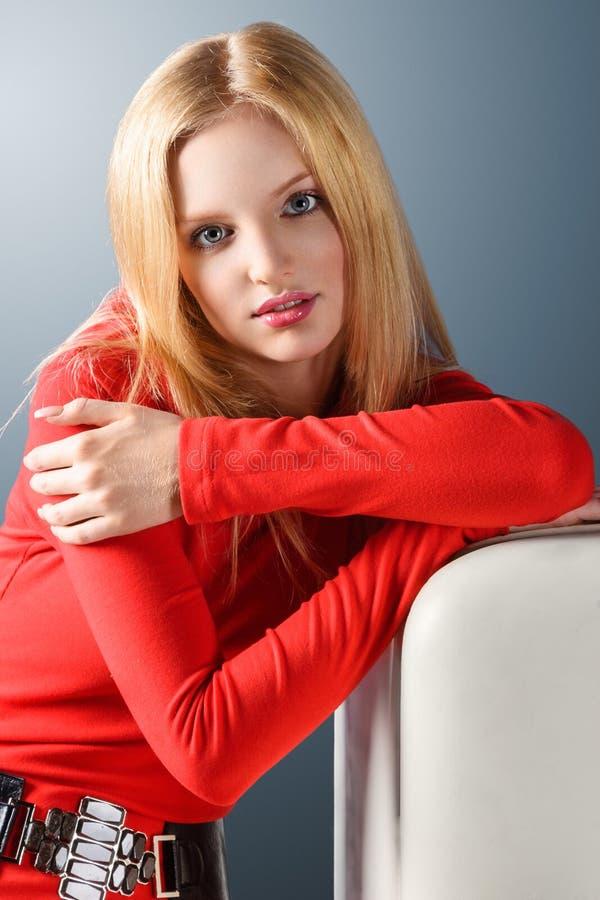 Młoda blondynki kobieta fotografia royalty free