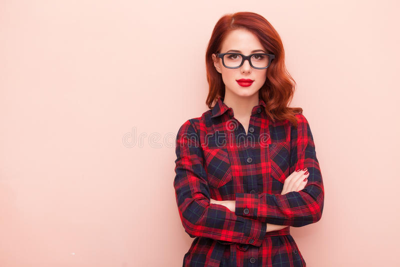 Młoda caucasian dziewczyna w szkłach obraz stock