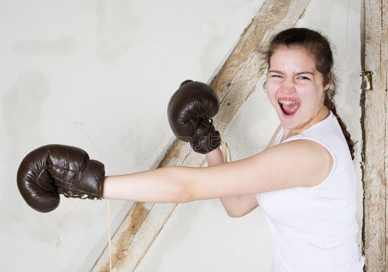 Młoda dziewczyna jako bokser zdjęcia stock