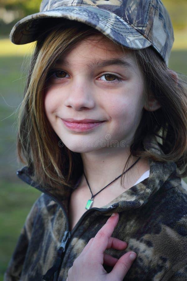 Młoda Dziewczyna w Camo obraz stock