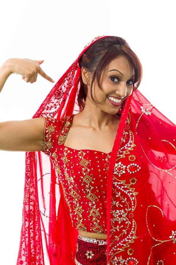 Download Młoda Indiańska Kobieta Ono Wskazuje Zdjęcie Stock - Obraz złożonej z lifestyles, gesundheit: 41952470