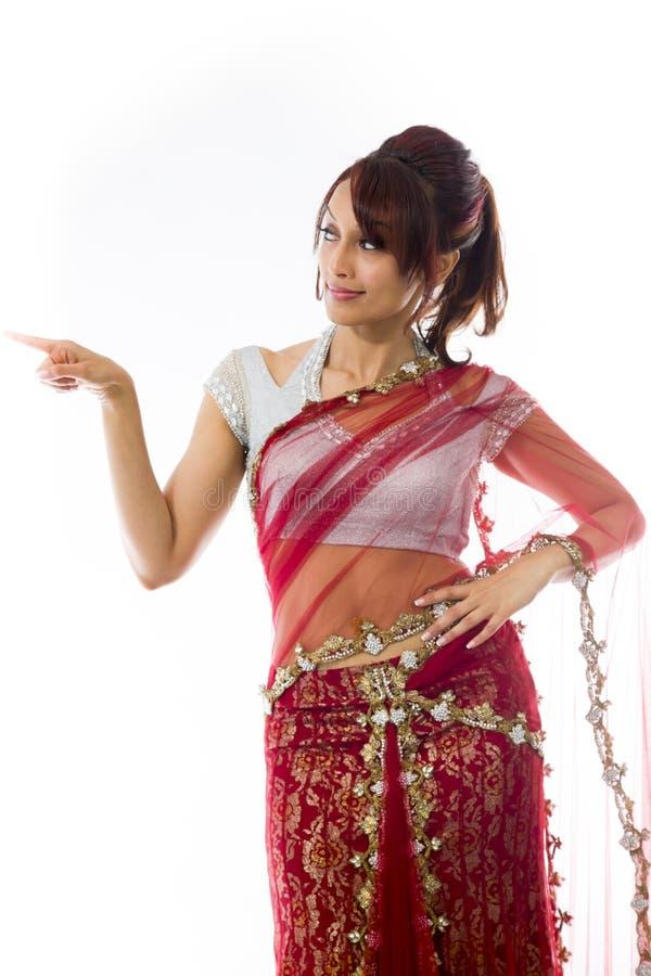 Download Młoda Indiańska Kobieta Pokazuje Coś Obraz Stock - Obraz złożonej z dorosli, komunikacja: 41951607
