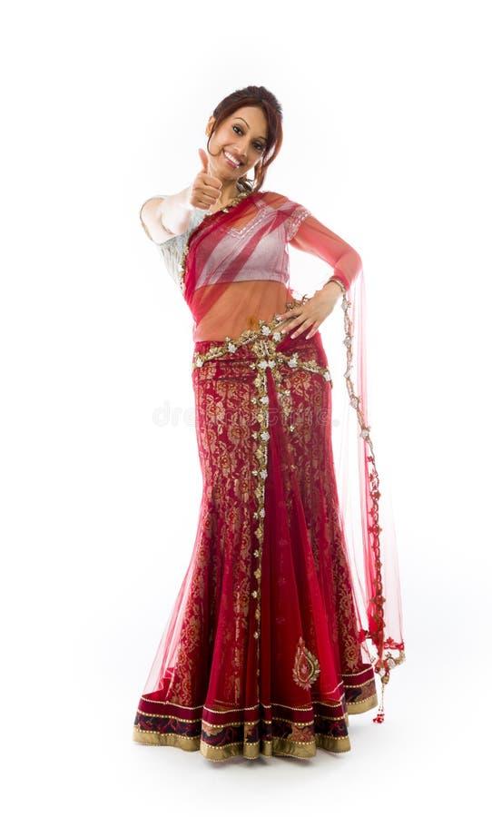 Download Młoda Indiańska Kobieta Pokazuje Kciuka Ono Uśmiecha Się I Znaka Up Obraz Stock - Obraz złożonej z human, ręka: 41951683