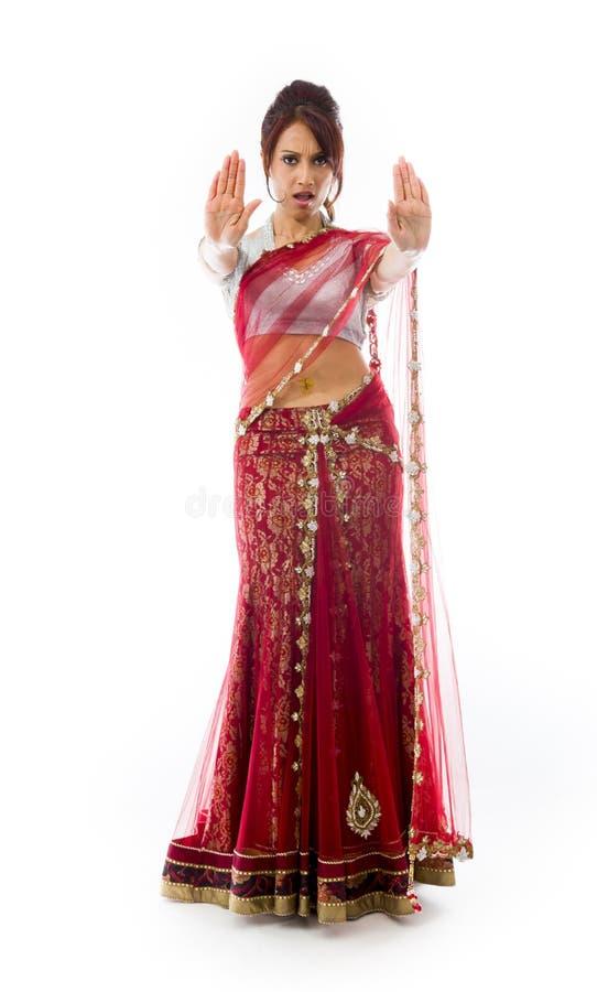 Download Młoda Indiańska Kobieta Robi Przerwie Gestykulować Znaka Od Oba Ręk Obraz Stock - Obraz złożonej z przód, gesundheit: 41951679