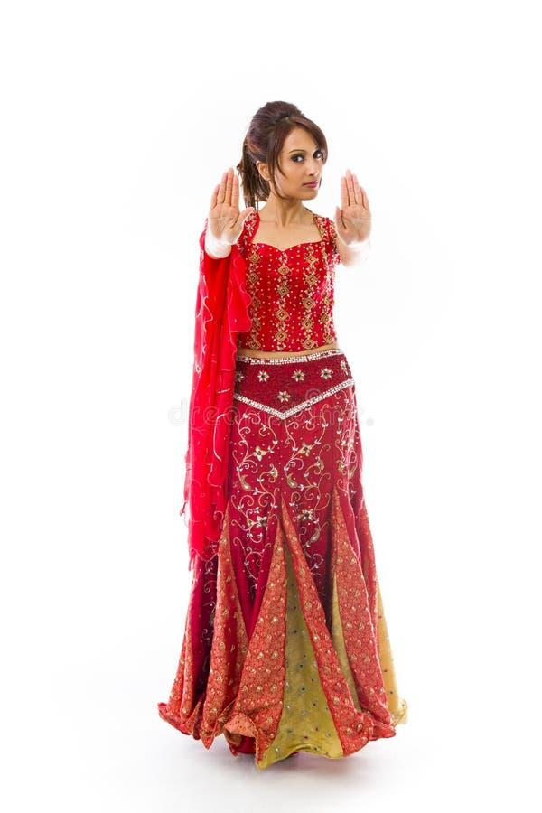 Download Młoda Indiańska Kobieta Robi Przerwie Gestykulować Znaka Od Oba Ręk Obraz Stock - Obraz złożonej z etnocentryzm, subkontynent: 41952355