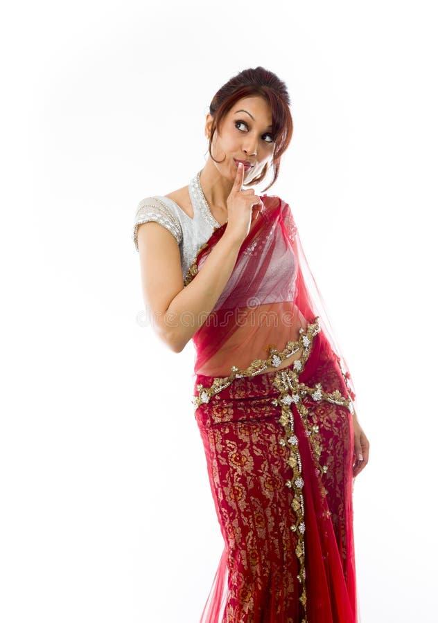 Download Młoda Indiańska Kobiety Pozycja Z Palcem Na Wargach Obraz Stock - Obraz złożonej z palec, wyrażenie: 41951501