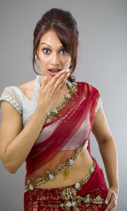 Download Młoda India Kobieta Z Szokującym Wyrażeniem Obraz Stock - Obraz złożonej z dorosli, usta: 41951795