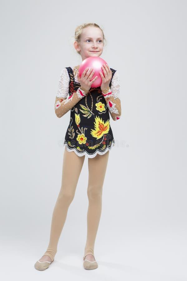 Młoda Kaukaska Żeńska Rytmiczna gimnastyczki atleta W Fachowej odzieży zdjęcia royalty free