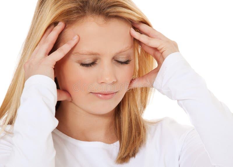 Młoda kobieta cierpi od migreny obrazy stock