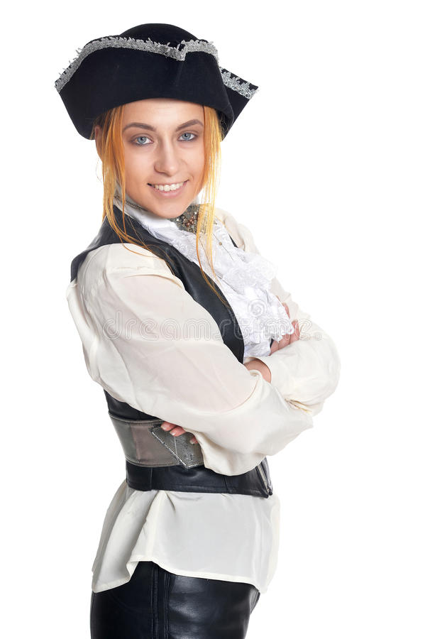 Młoda kobieta jest ubranym pirata kostium fotografia stock