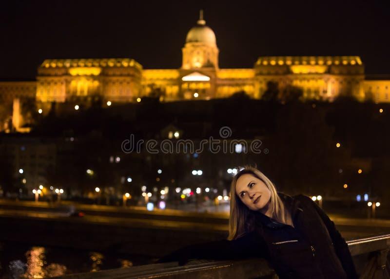 Młoda kobieta w Budapest zdjęcie royalty free