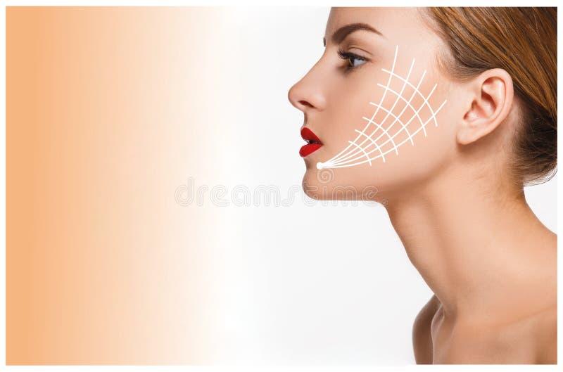 Młoda kobieta z czystą świeżą skórą obrazy stock