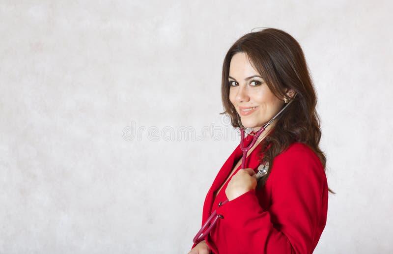 Młoda kobieta z stetoskopem zbliżenie fotografia royalty free
