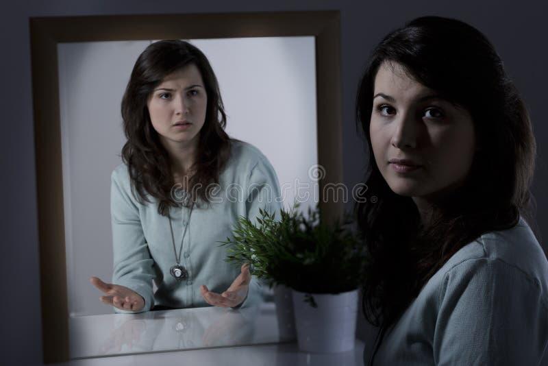 Młoda kobieta z zaburzenia psychiczne zdjęcia stock