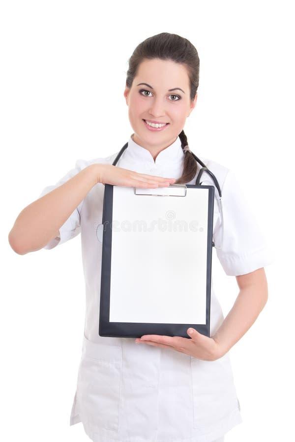 Młoda kobiety lekarka z falcówką odizolowywającą na białym tle zdjęcie stock