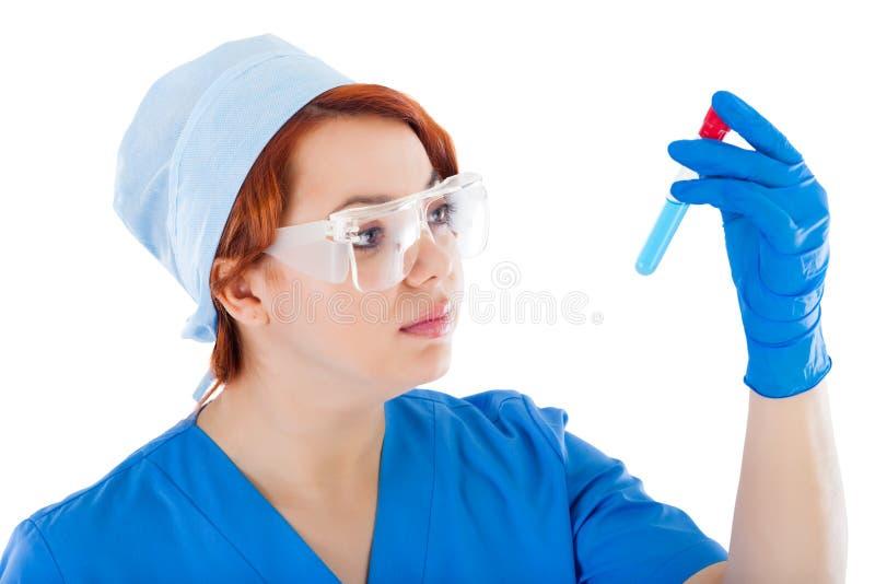Młoda kobiety lekarka z Próbną tubką zdjęcie royalty free