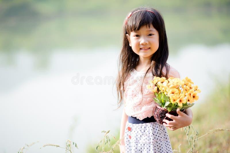 Młoda mała Azjatycka dziewczyna zdjęcie stock