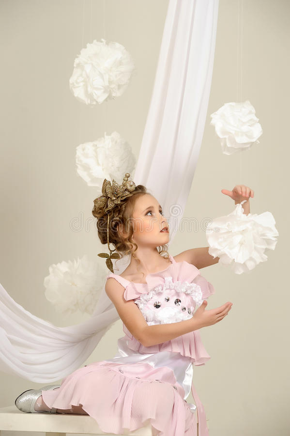 Młoda magiczna czarodziejka fotografia royalty free