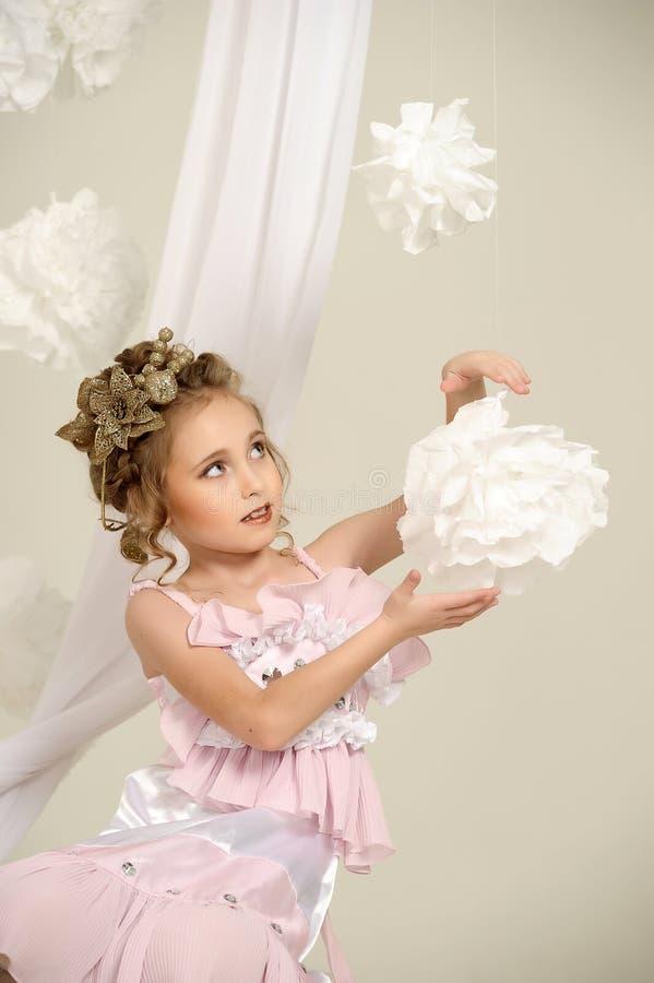 Młoda magiczna czarodziejka fotografia stock