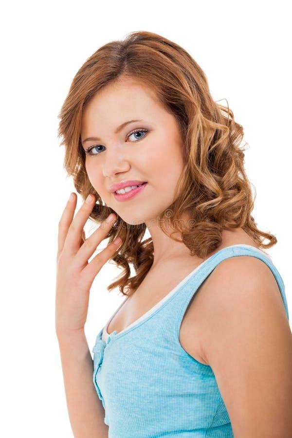 Młoda nastolatek dziewczyna ono uśmiecha się mieć zabawa portret obrazy royalty free