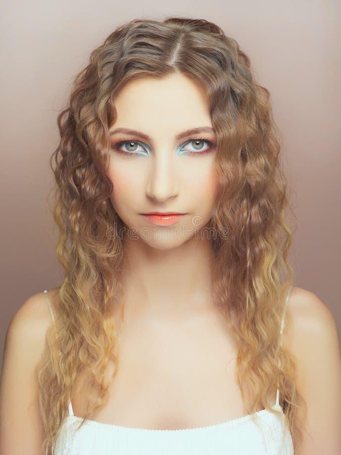 Młoda piękna dama zdjęcia royalty free