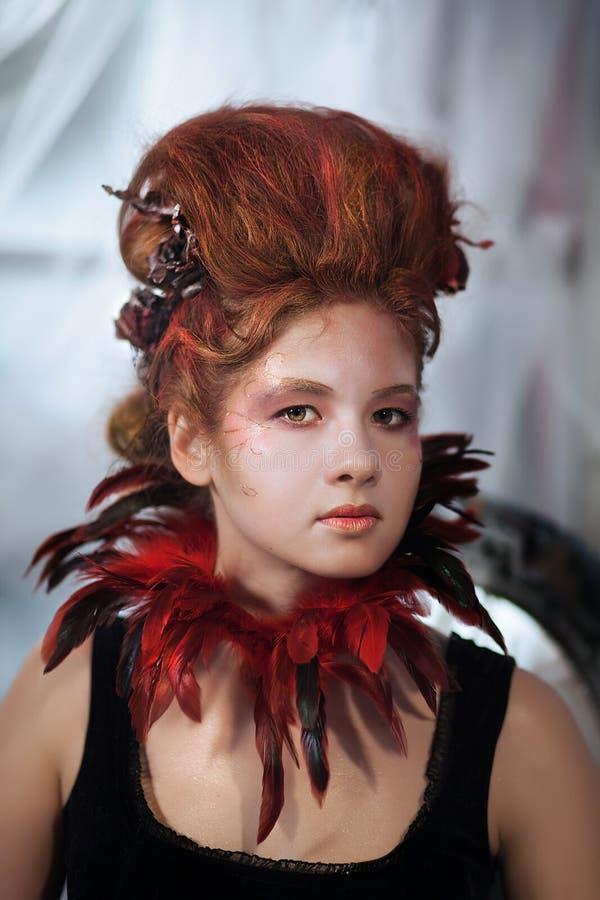 Download Młoda Piękna Dziewczyna W Postaci Złej Czarodziejki Obraz Stock - Obraz złożonej z zło, rama: 53787511