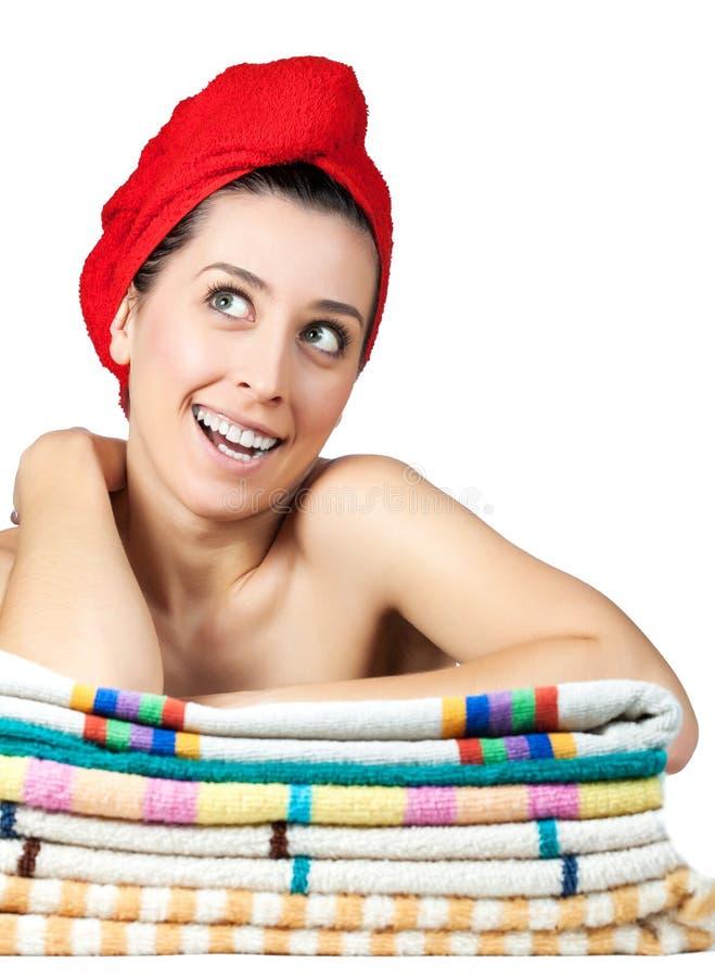 Młoda piękna dziewczyna z ręcznikiem na włosy obraz stock