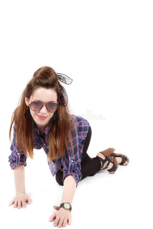 Młoda piękna kobieta w retro stylowej szpilce obraz stock