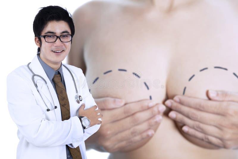 Młoda specjalisty nowotworu piersi lekarka fotografia stock