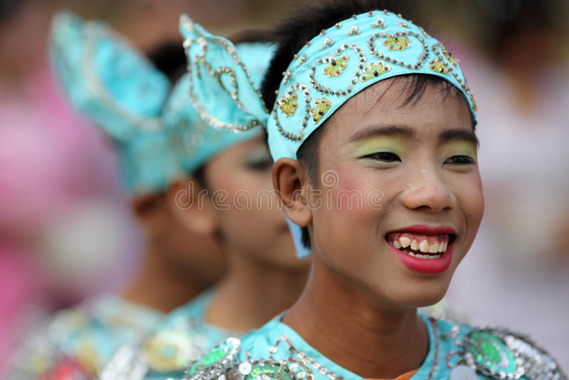 Młode chłopiec przy nowicjusz ceremonią, Myanmar obraz royalty free