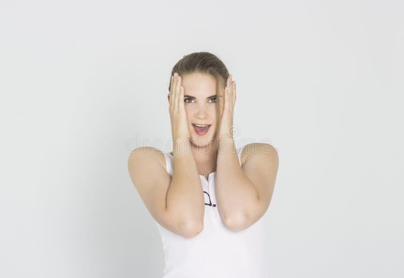 młode kobiety zaskoczeni zdjęcia stock