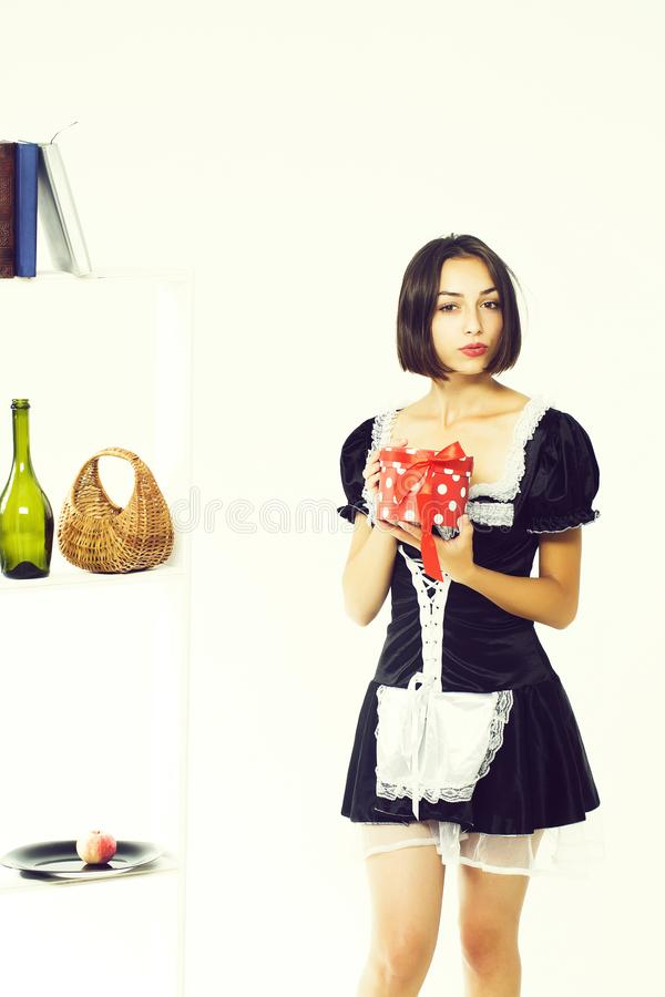M?odej kobiety housemaid zdjęcia stock