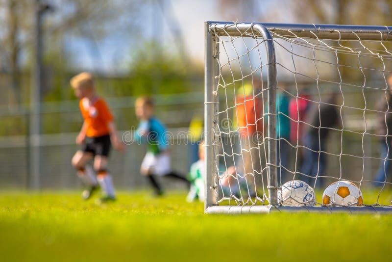 Młodości piłki nożnej szkolenie zdjęcia stock