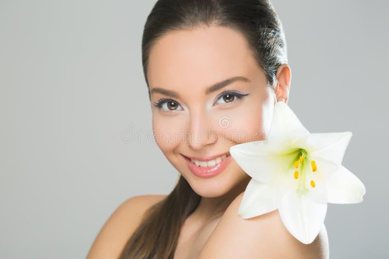 Młodociany brunetki piękno zdjęcie royalty free