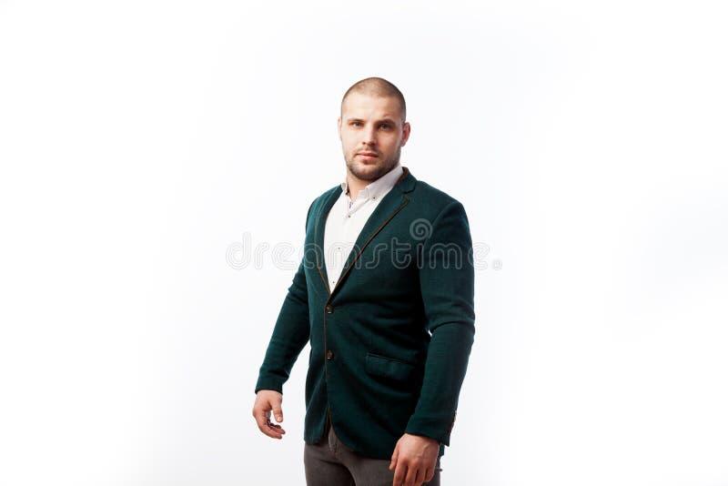 Młody łysy mężczyzna w kostiumu obraz royalty free