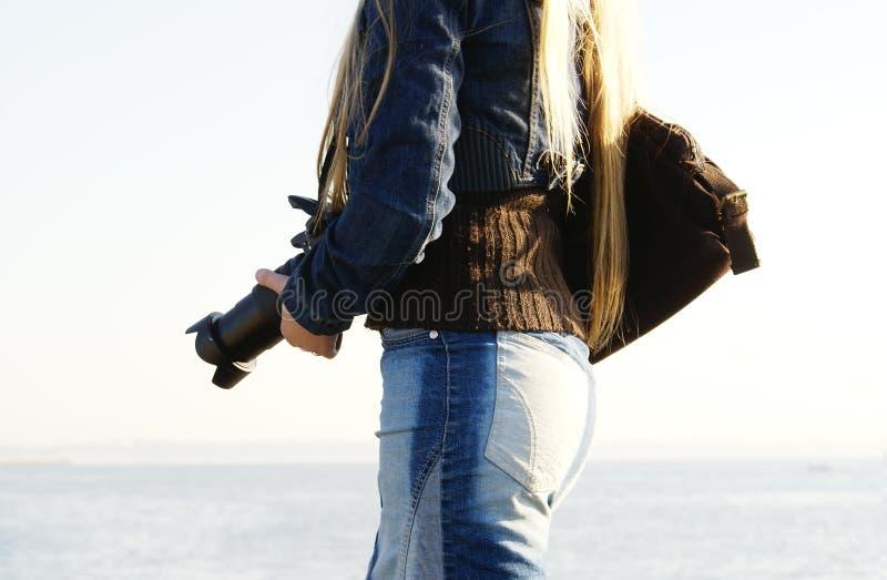 Młody żeński fotograf zdjęcia stock