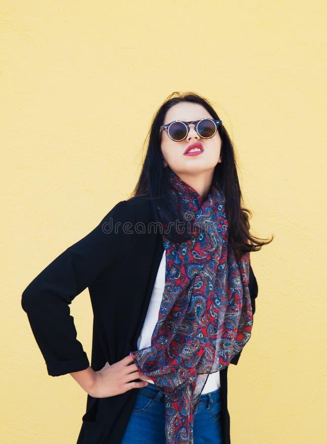 Młody żeński moda model zdjęcia stock