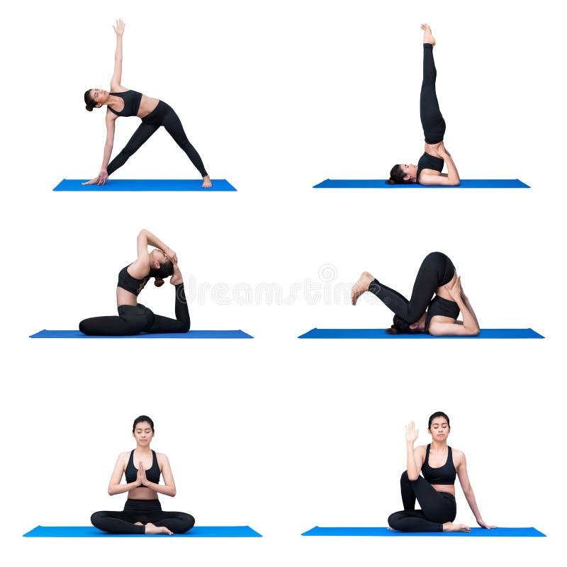 Młody azjatykci kobiety praktyki joga pozy ćwiczenie przy joga sporta gym obraz royalty free
