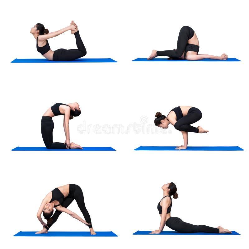 Młody azjatykci kobiety praktyki joga pozy ćwiczenie przy joga sporta gym zdjęcia royalty free