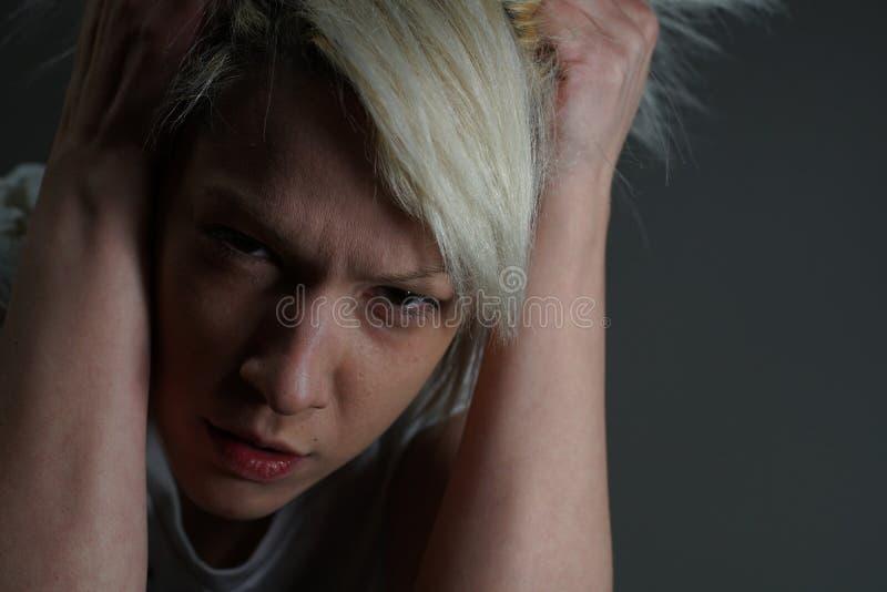 Młody blondynki dziewczyny portret zdjęcia stock
