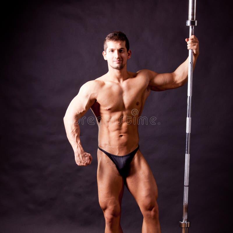 Młody bodybuilder traininig fotografia stock