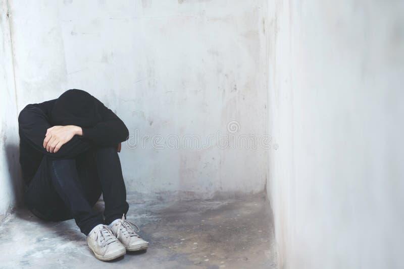 Młody człowiek emocji napięcia zmartwiony smutny zdjęcie stock