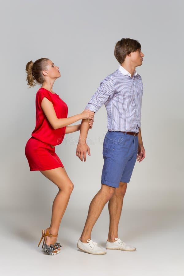 Młody człowiek opuszcza dziewczyny zdjęcie royalty free