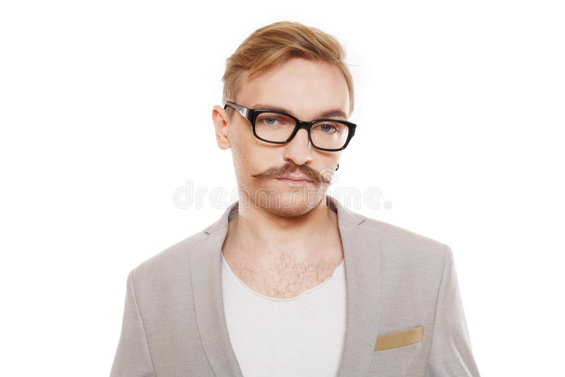 Młody człowiek w szkło portrecie odizolowywającym przy bielem fotografia royalty free