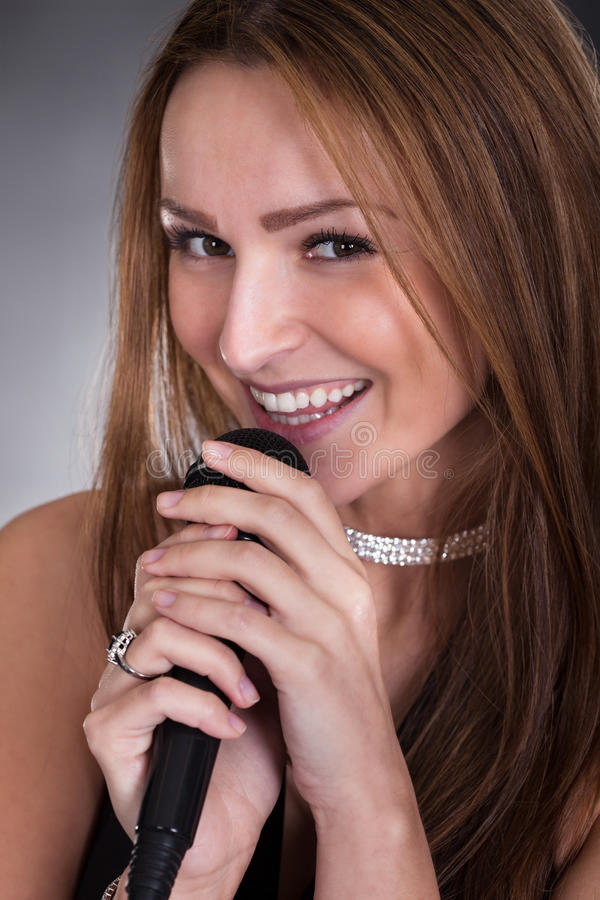 Młody Żeński piosenkarz fotografia stock
